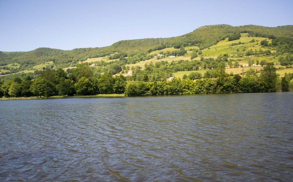 Lac-Cantal-randonée-cascades