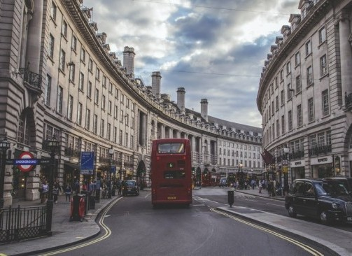 Londres-regent-street-bus-cab