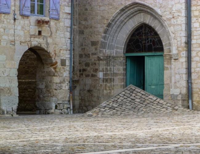 chemin-compostelle-lauzerte-atypique-pavé-architecture