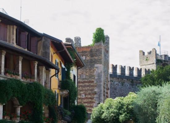 italie-torri-del-benaco-rue