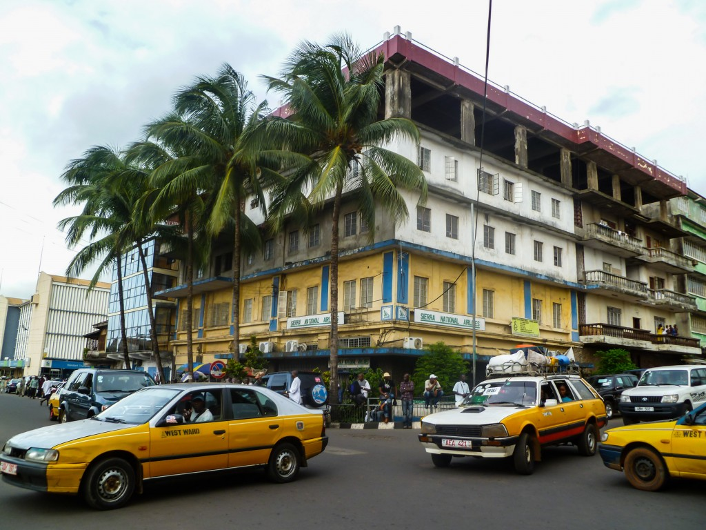 taxis-freetown-rue-palmiers