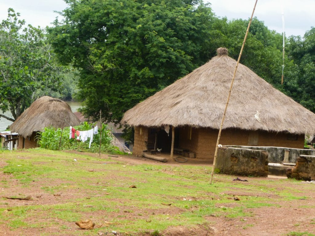 cases-afrique-village