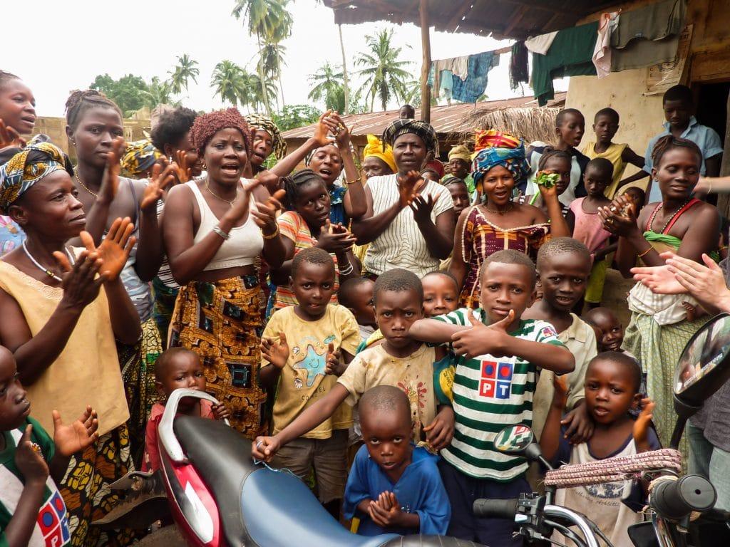 chants-accueil-afrique-village