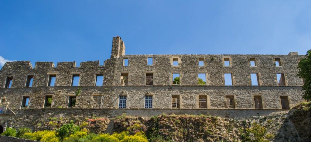 façade-chateau-severac-aveyron