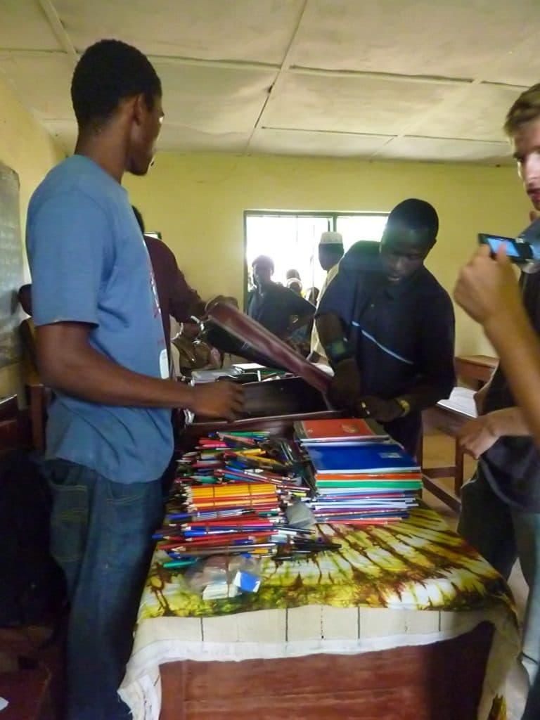 fournitures-scolaires-afrique