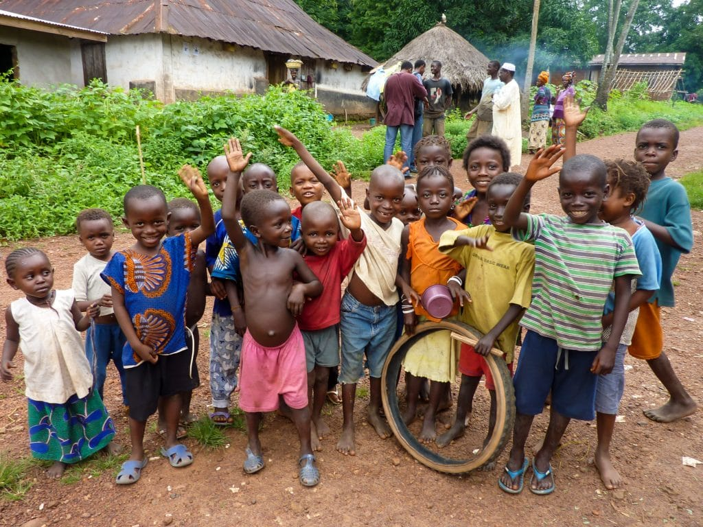 portrait-groupe-enfants-afrique