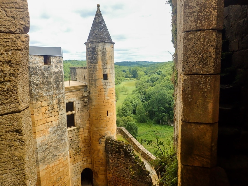 commarque-tour-perigord