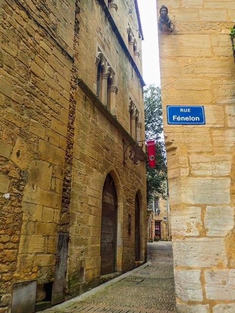sarlat-rue-fenelon-perigord