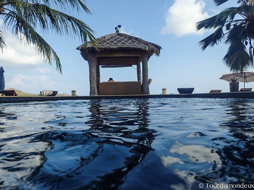 coral-palms-piscine-ciel