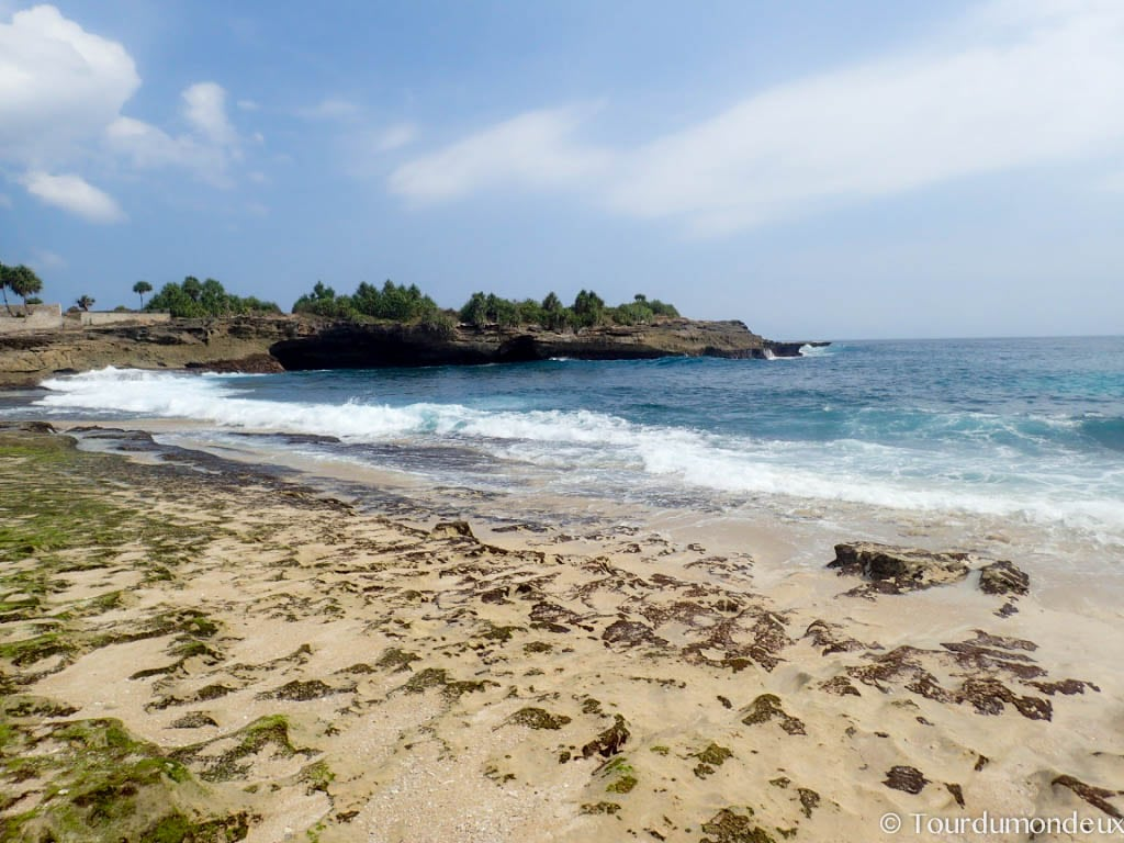 sandy-bay-beach-lembongan-nusa