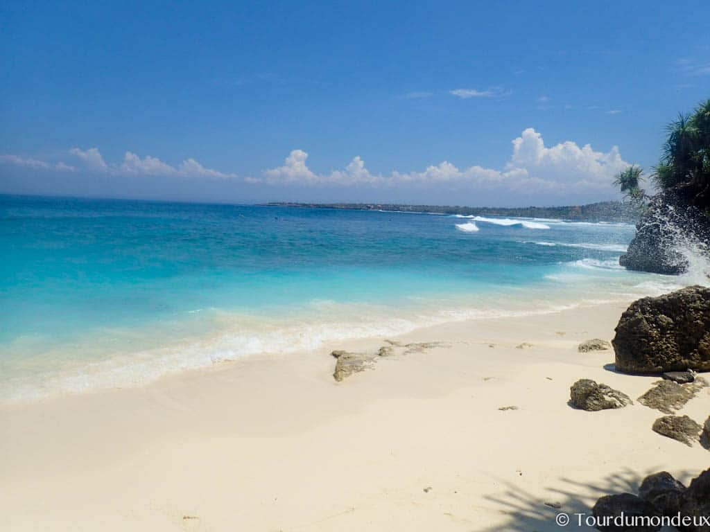 secret-point-beach-ceningan-nusa