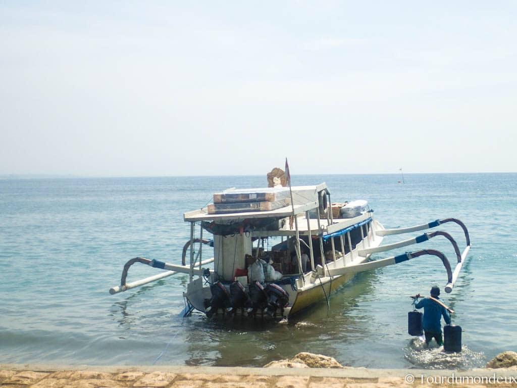 slow-boat-saner-public