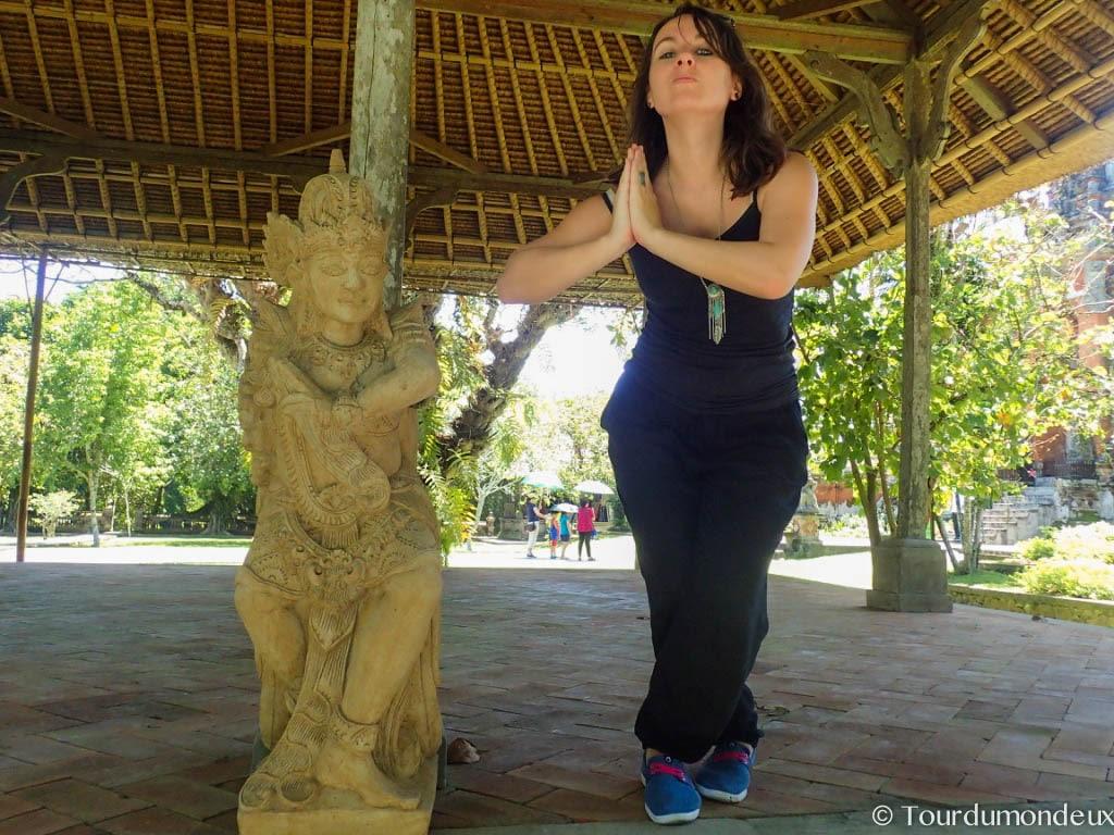 taman-ayun-tourdumondeux-statue-portrait