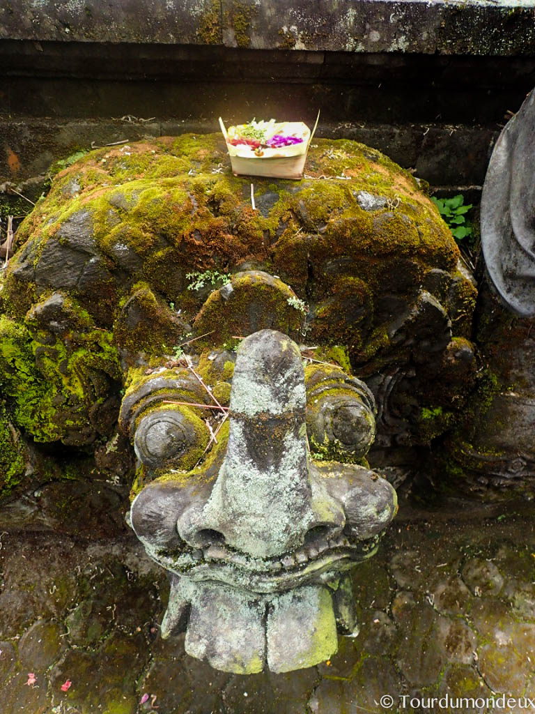 temple-shiva-sculpture-bali