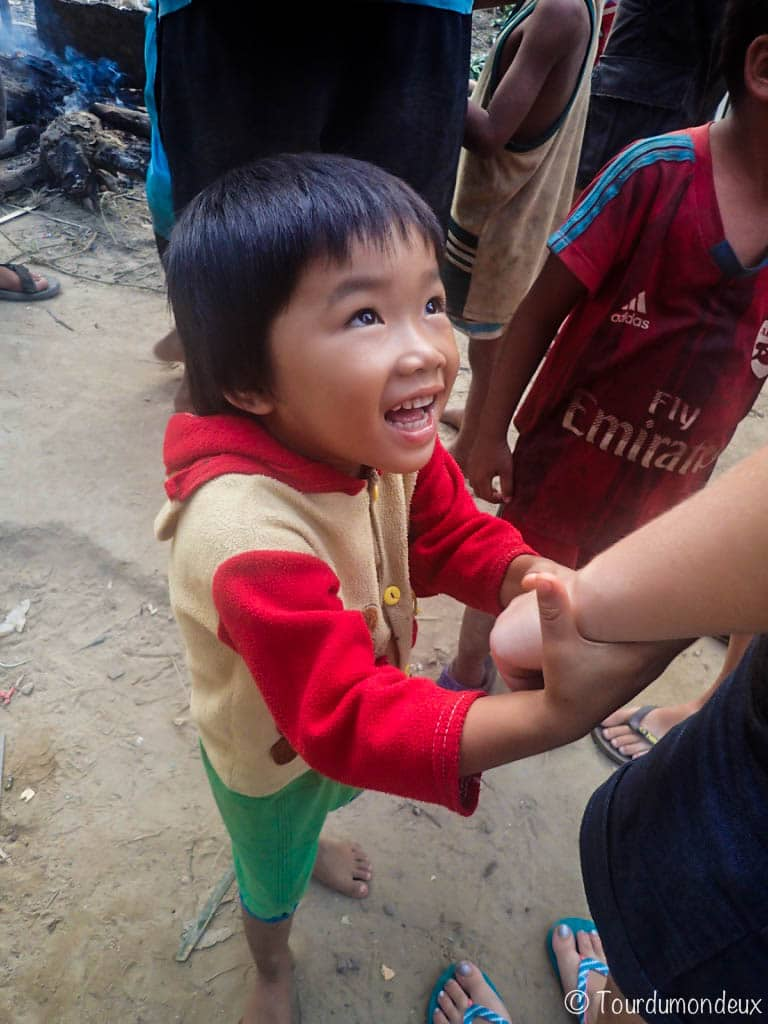 enfant-sourire-laos