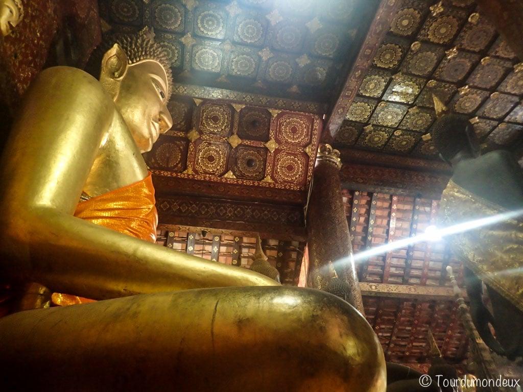 statue-buddha-xieng-thong