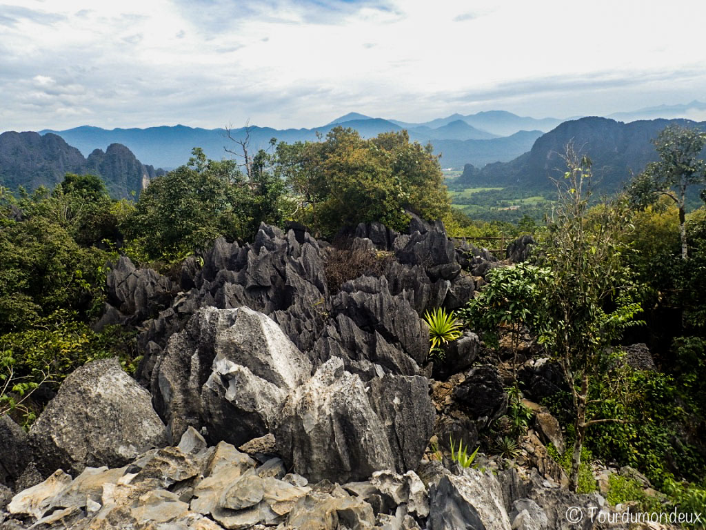 vang-vieng-rochers-viewpoint