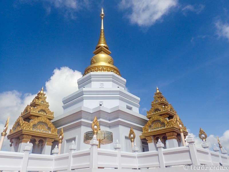 Temple-nord-thaïlande-dorures