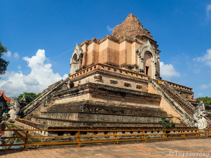 Wat-Chedi-Luang-monument-cours