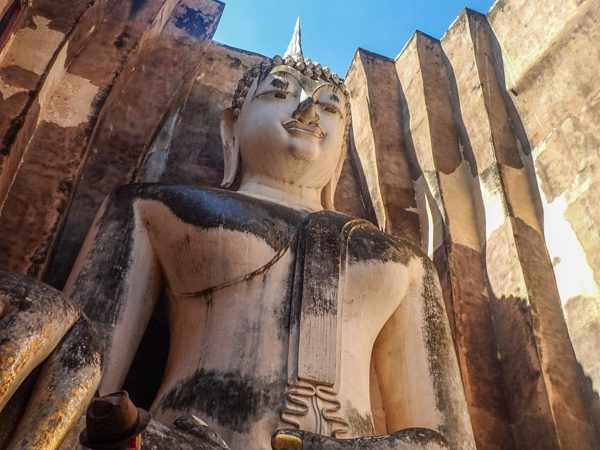 sukhothai-buddha-assis-géant