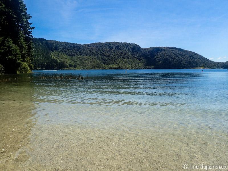 blue-lake-nouvelle-zelande