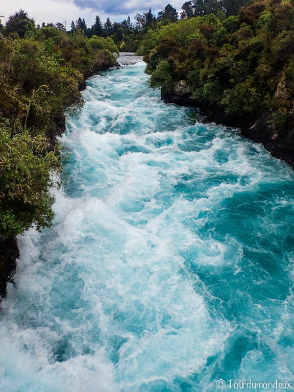 huka-falls-chute-nouvelle-zelande