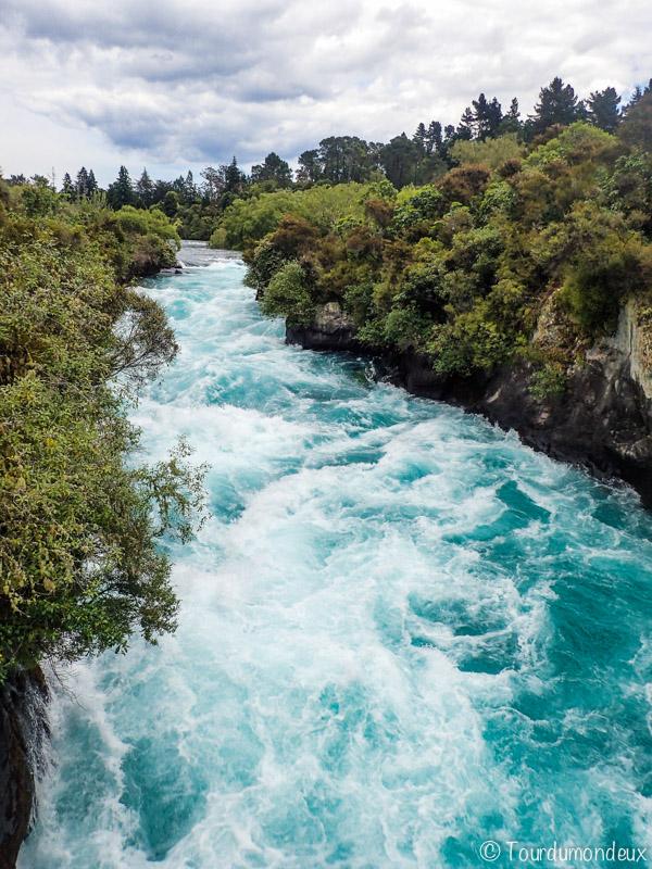 huka-falls-nouvelle-zelande