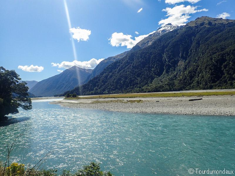 eau-turquoise-nouvelle-zelande