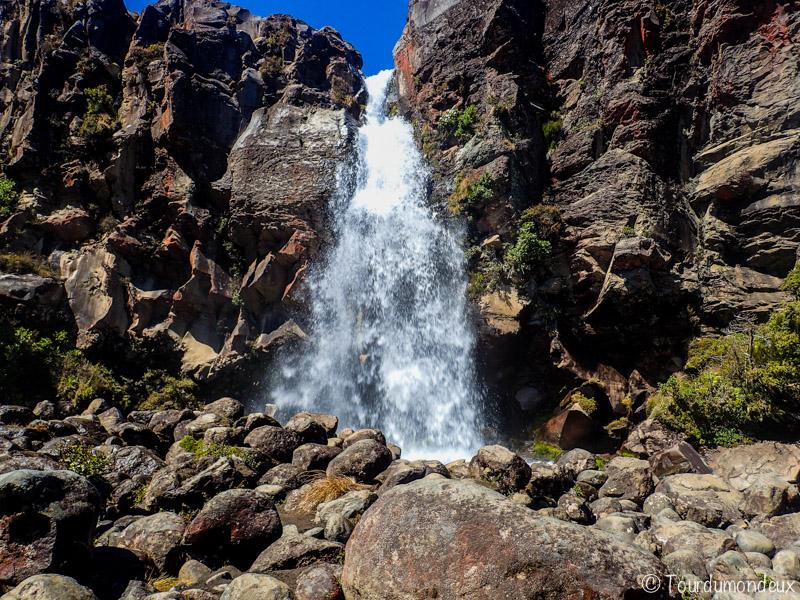 falls-taranaki-nouvelle-zelande