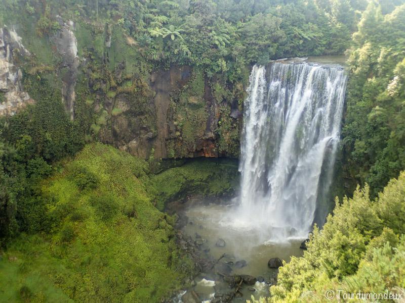 omaru-falls-nouvelle-zelande