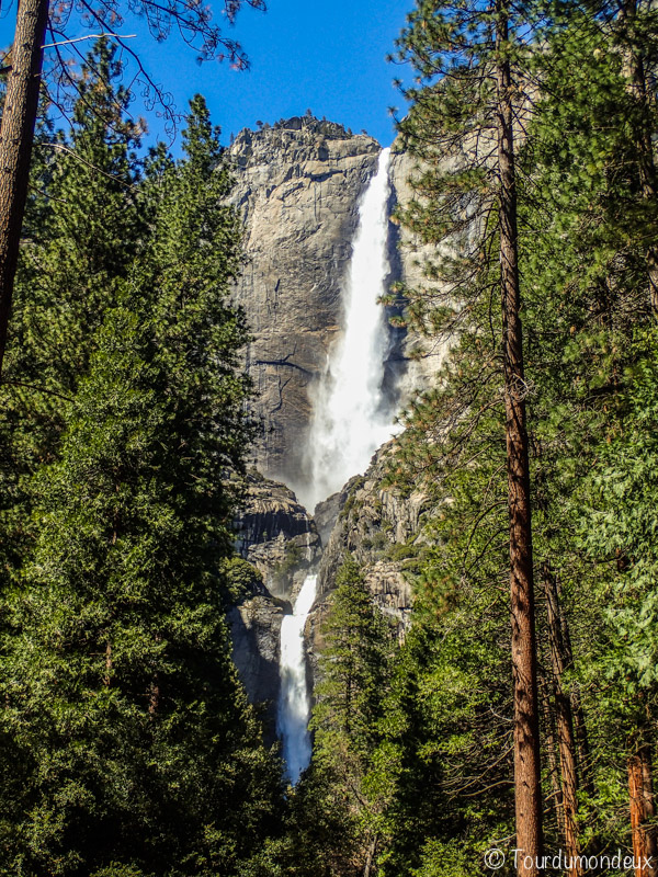 yosemite-lowerfall-vue-californie