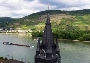 Vallée-rhin-péniche-église-Niederheimbach