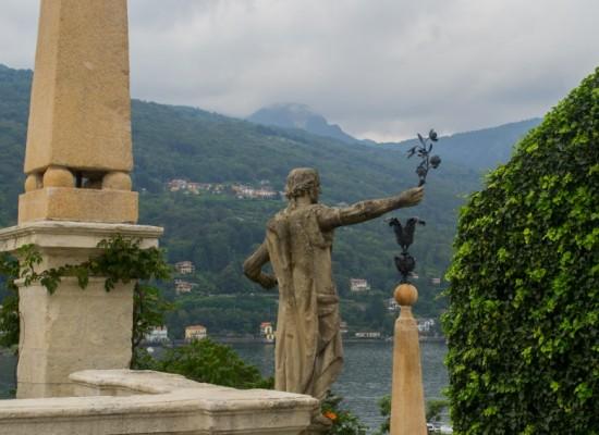 italie-borromée-statue-jardins-isola-bella
