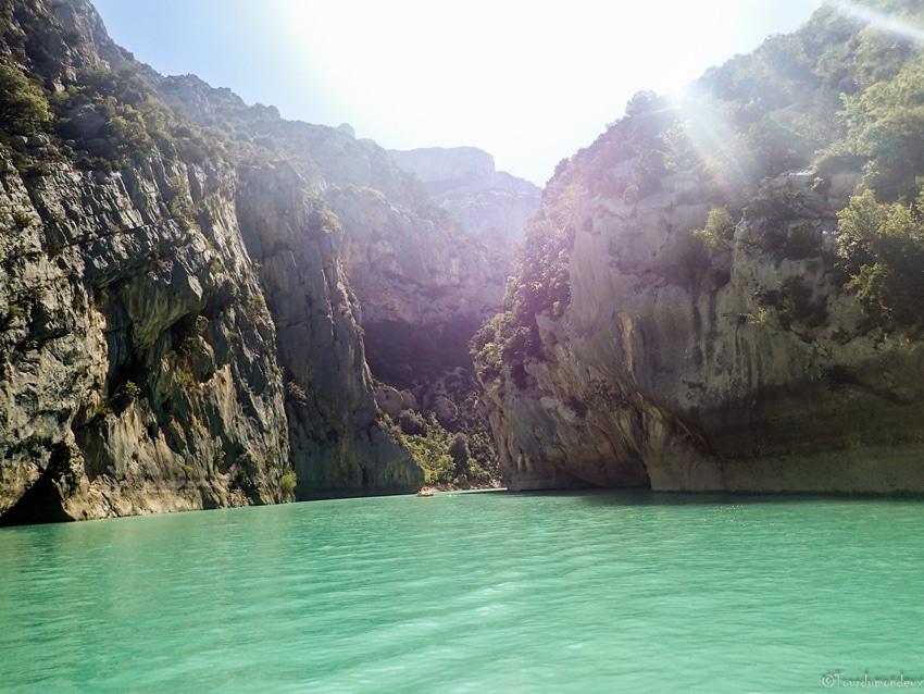 lac-sainte-croix-eau-bleu-gorges-verdon