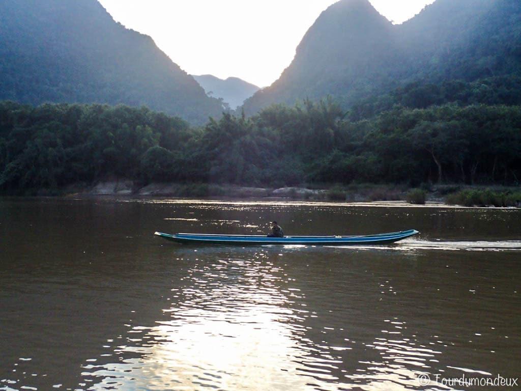 muang-ngoi-bateau-laos
