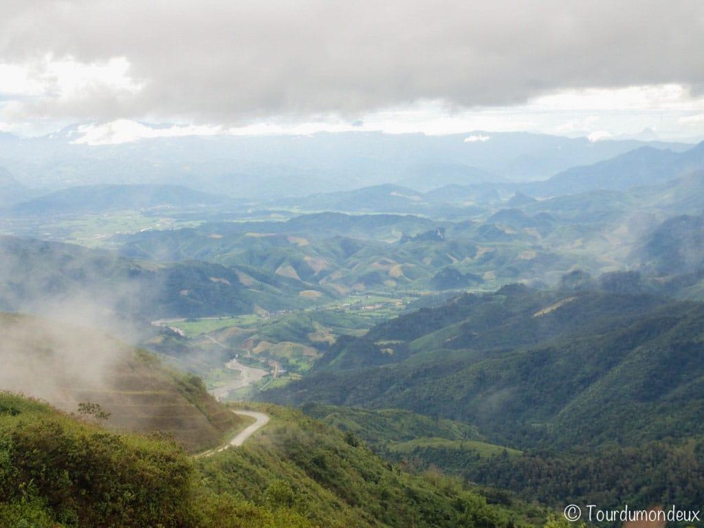 vang-vieng-route-paysage