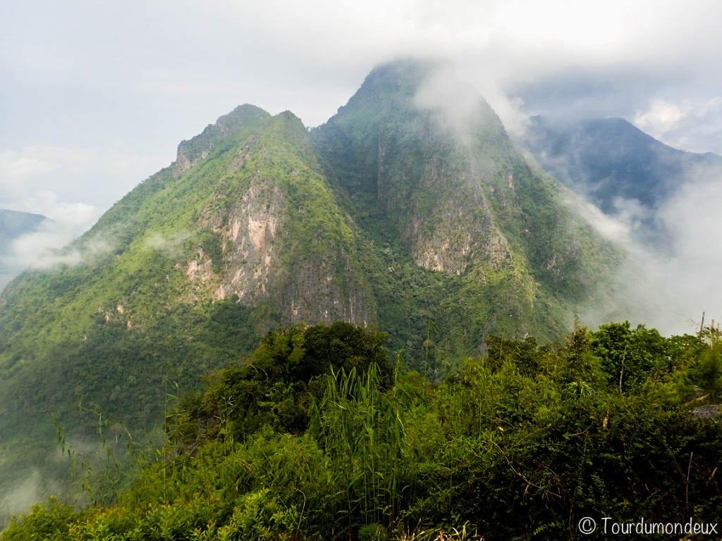 vue-nong-khiaw-laos