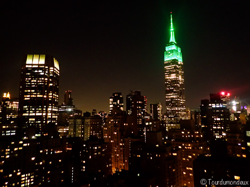 new-york-building-nuit-usa