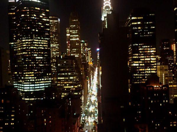 new-york-rue-nuit-usa