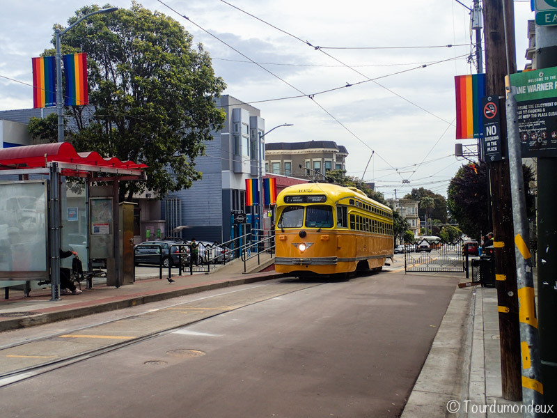 san-francisco-tram-jaune-usa